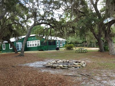 Lakefront Country Haven near Ocala & Forest -With Canoe, Lifejackets and Grill!