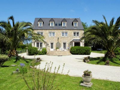 Photo for 4 bedroom Villa, sleeps 8 in Réville with WiFi