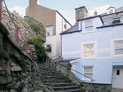 Photo for 2 bedroom property in Barmouth. Pet friendly.
