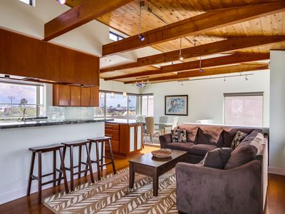 Private Single Family Luxury Beach Home, w/ 2-Car Garage, Central AC, 1 House from Ocean!