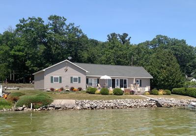 Admirable Mullett Lake On Water Private Boat Jetski Lifts Summer 20 Available Now Topinabee Download Free Architecture Designs Scobabritishbridgeorg