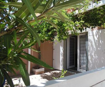 Photo for Renovated villa with terrace 100 m from the sea Climbing Wifi Parking