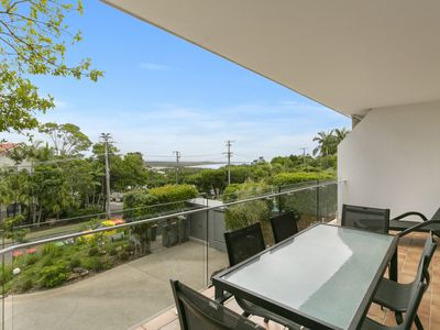 Photo for Charming Noosa Heads Apartment; Laguna Bay Views - Unit 6 Taralla 18 Edgar Bennett Avenue