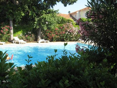 Photo for Marseille 9th Michelet F2 with garden direct pool access