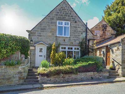Photo for LYNDALE COTTAGE, family friendly in Robin Hood's Bay, Ref 923460