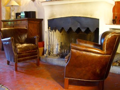 Photo for Boutique 17th century Provençal gite with roof terrace - 2 bedrooms sleeps 5