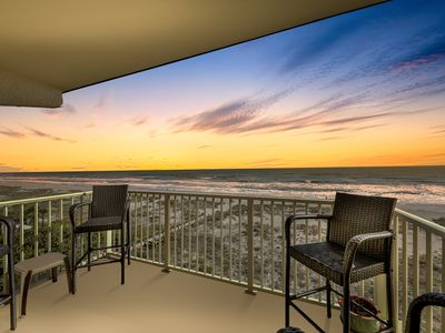 Photo for Oceanfront corner condo w/ spectacular views, balcony & direct beach access!