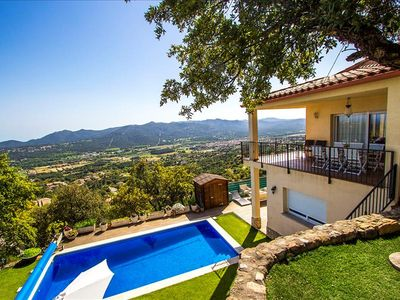 Photo for Catalunya Casas: Tranquil Costa Brava paradise for 8-9 guests, 6km to the beach!