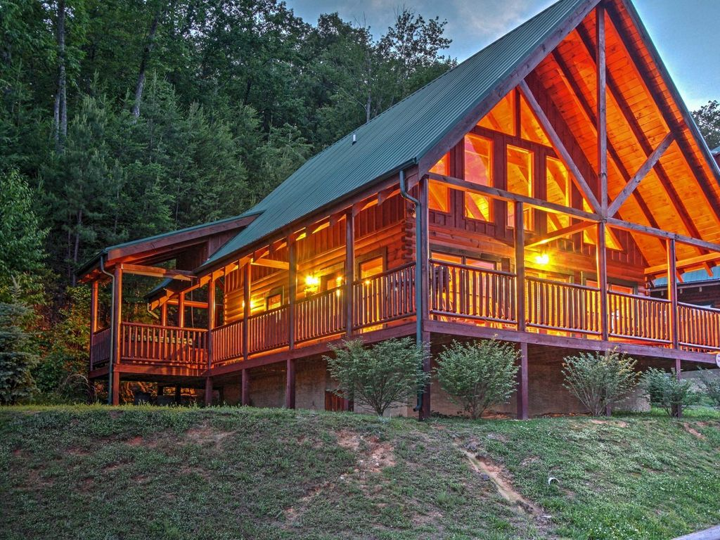 with cabins luxury tn room friendly rentals pigeon cheap theater pet tennessee in cabin forge secluded
