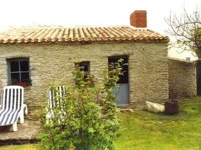 Photo for House longère, stone walls, 500m from the beach. poss loc night