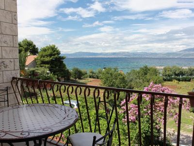 Photo for Three bedroom apartment with terrace and sea view Mirca, Brač (A-732-b)