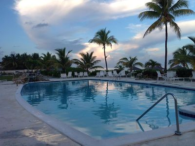 Photo for 1BR Condo Vacation Rental in Coral Beach Hotel, Freeport