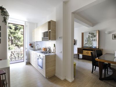 Photo for Bright and romantic 1bdr well connected to the centre