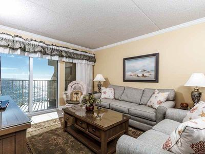 Photo for Bright, open unit, Gulf front views, Close to dining