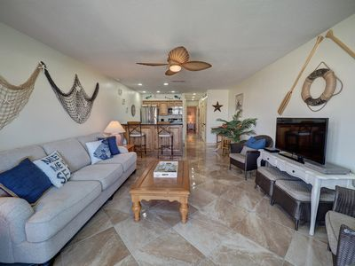 Photo for Remodeled 1/1 waterfront condo with boat slip