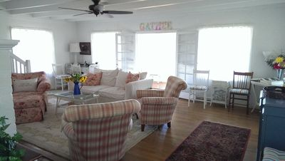 The living room is cheery and comfortable.