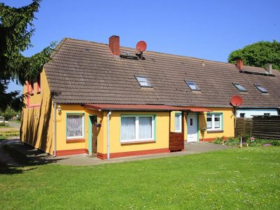 Photo for Semi-detached house, Zarchlin  in Müritzgebiet - 8 persons, 4 bedrooms