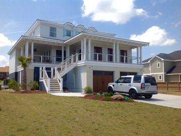 Sandbridge... Beautiful new beach home with direct beach access