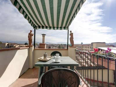 Photo for Luxury apartment with a wonderful balcony overlooking Florence