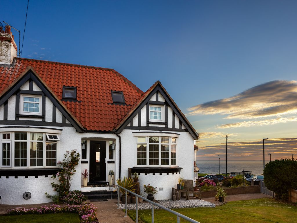 Remarkable Luxury Cottage By The Sea Golf Course Harbour 5 Bed Parking Garden Pet Friendl Whitby Download Free Architecture Designs Licukmadebymaigaardcom