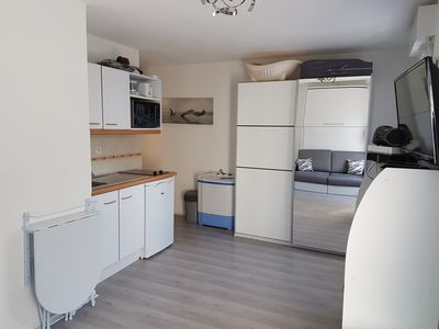 Photo for Apartment 50m from the beach with direct access