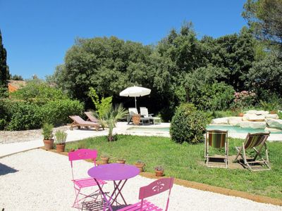 Photo for 3 bedroom Villa, sleeps 6 in Eyragues with Pool, Air Con and WiFi