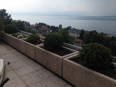 Photo for Panoramic view / Lake Geneva and the mountains