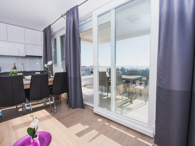 Photo for Luxury Two-bedroom App with Terrace and Sea View