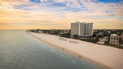 Photo for GREAT FIND! LOVELY GULF VIEW 1BR FAMILY SUITE, BALCONY, BEACH ACCESS, POOL, BAR