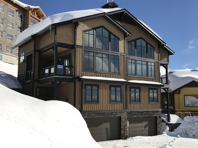 Photo for Big White luxury chalet close to the village center with 4 bedrooms
