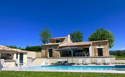 Photo for Panorama on the Luberon, 12 people, air conditioning, secured pool