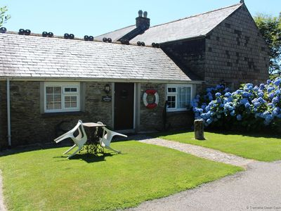 Photo for Cosy One-Bedroom traditional mellow  Stone & Slate bungalow Cornish Cottage