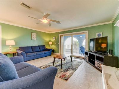 Photo for Island Retreat Upper B, Ocean Front, 2 Bedrooms, Sleeps 6