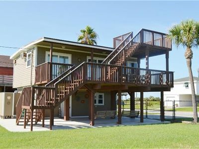 Photo for 2 Bedroom, 1 Full Bath And Outdoor Shower, Sleeps 4-6