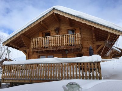"Photo for Detached chalet ""LA DATCHA"" 8 people ski in ski out"
