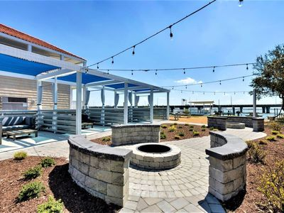 Photo for Bay Breeze Compass Suite (1 bed/1 bath condo with cabanas, fire pits, and pier)
