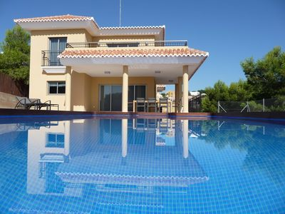 Photo for FANTASTIC LUXURY VILLA, just 20 car-minutes from Valencia city.