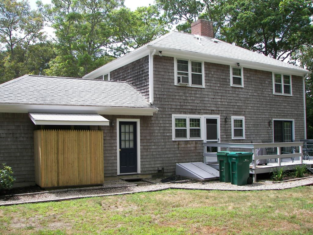 the studio hyannis cute cottage in of heart cape rental cod rentals