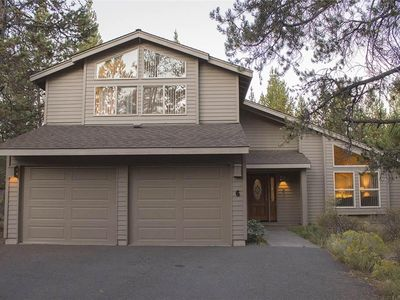 Photo for Pet & Family-Friendly Home near golf course & bike trails! Free SHARC passes!