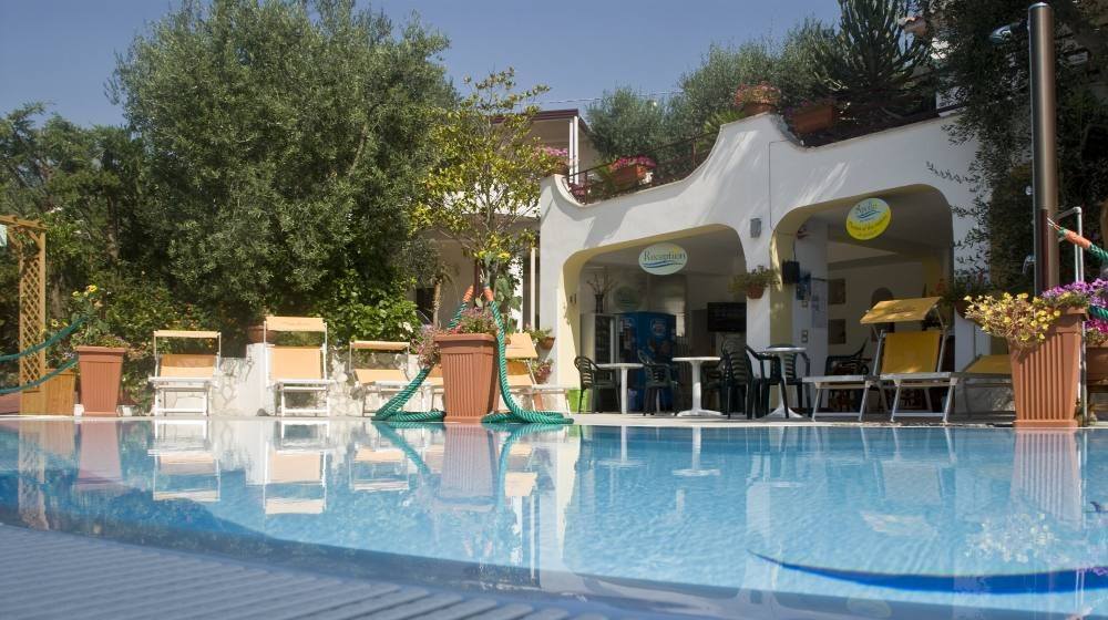 B B Apollo Holiday House With Swimming Pool Solarium Are Fitness Sauna Mattinata Gargano