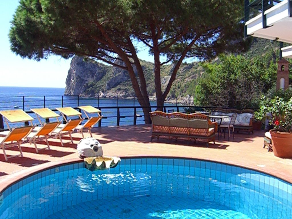 Wonderful Luxury Villa On The Sea In The Heart Of Sorrento Coast  7 Br Vacation Villa For Rent