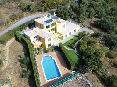 Photo for 4 bedroom Villa, sleeps 8 in Esgravatadouro with Pool, Air Con and WiFi