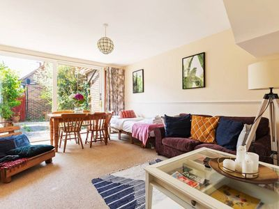 Photo for 3 Bed 3 Bath House 8 min to West End/2 min to Tube