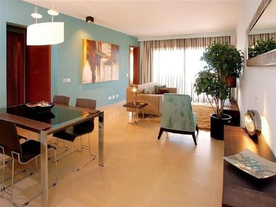 Photo for Ground floor two bedroom apartment with private pool and sea view