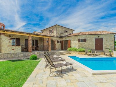 Photo for Romantic Villa with private pool near Vizinada