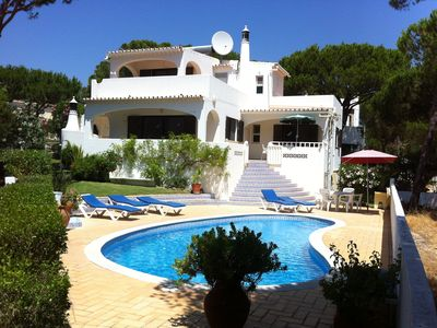 Photo for Algarve, Almancil: fully secluded villa, pool, GB/D/NL tv, on 850 Mts from beach