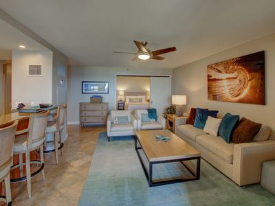 Photo for Unobstructed Views of Pacific and Kaanapali Beach, gourmet kitchen+upscale decor