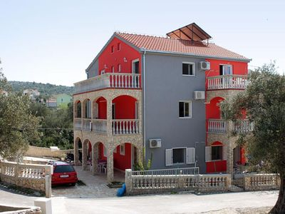 Photo for Two bedroom apartment with terrace and sea view Vinišće (Trogir)