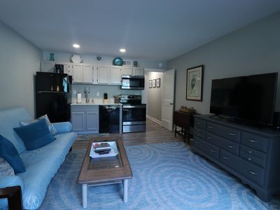 Photo for Beautiful Poolside Condo With Easy Walk to Beach