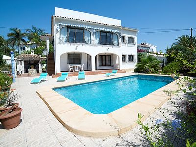 Photo for 2 bedroom Villa, sleeps 4 in Calpe with Pool and WiFi